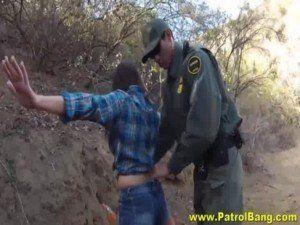 Image Policial comeu a novinha tarada