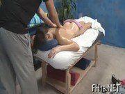 Massageando e comendo a safada