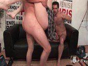 Gravando porno com dois caras