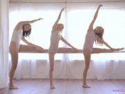 Bailarinas dando o cu