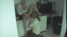 Flagra de sexo lesbico na cozinha