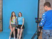 Lora e Jazzy seduzindo o câmera