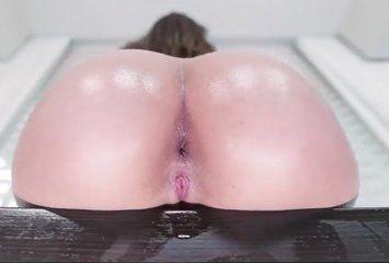 Buceta molhadinha a espera de uma pica