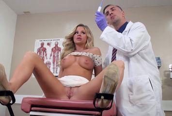 Ginecologista fazendo sexo com paciente