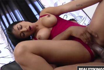 Porno brasil com peituda vadia