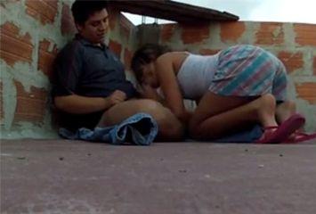 Porno amador na laje da favela