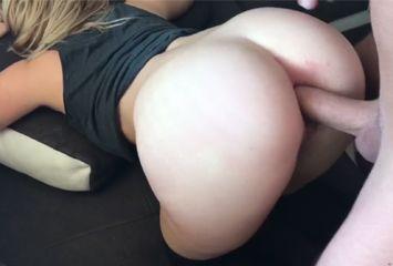 Cena porno anal com loira patricinha