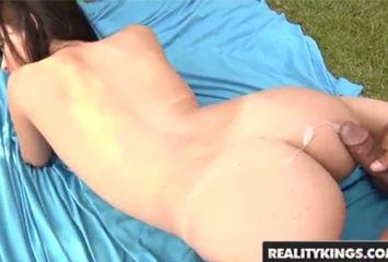 Fernanda Magalhães dando na cena de sexo brasileiro