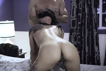 Gina experimentando sexo anal pela primeira vez
