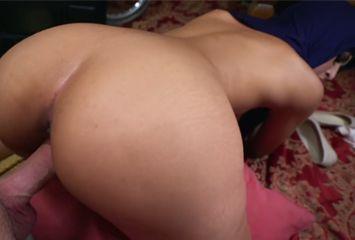 Árabe safada no porno proibido dando de quatro