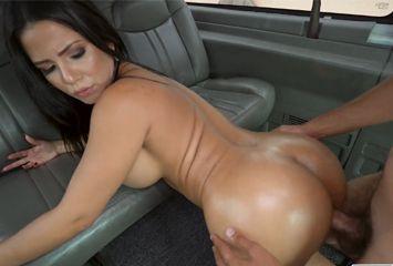 Metendo o ferro na puta do taxi