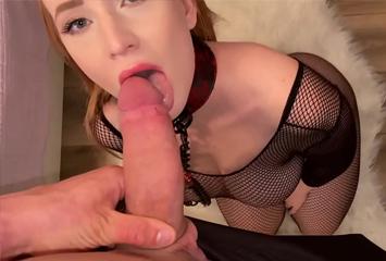 Putinha submissa botou a coleira e deixou o marido (dono) fazer de tudo com ela nesse vídeo de sexo hardcore